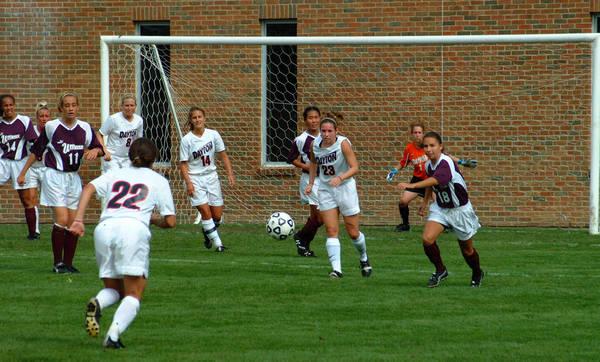 20021006-fieldplay