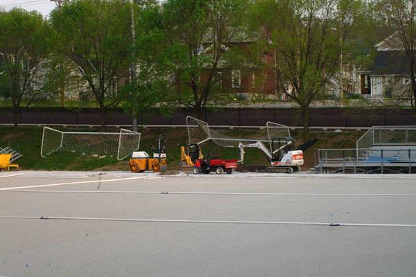 baujan-field-turf-install-2003-04-19_07