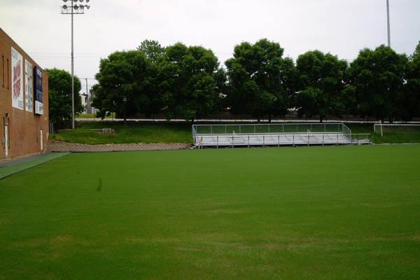 baujan-field-turf-install-2003-05-25_16