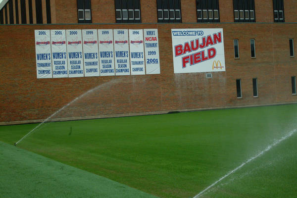 baujan-field-turf-install-2003-05-25_26