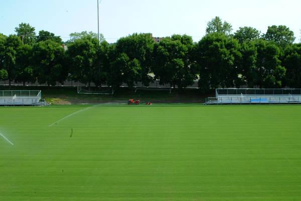 baujan-field-turf-install-2003-06-01_56