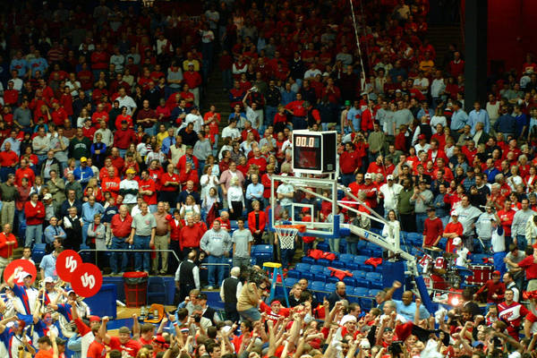 2003-a10-hoops-tourney-2003-03-15_06