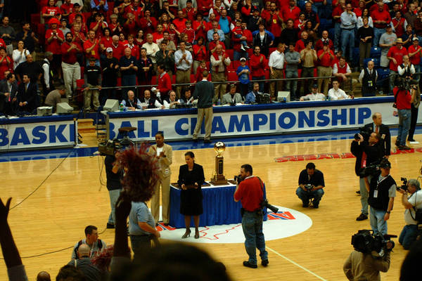 2003-a10-hoops-tourney-2003-03-15_09