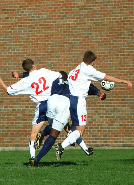 ud-mens-soccer-general-2001-11-04_008
