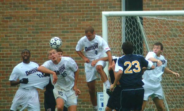 ud-mens-soccer-general-2005-10-09_027