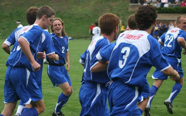 ud-mens-soccer-general-2006-09-04_006
