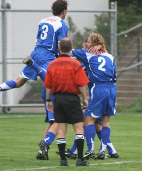 ud-mens-soccer-general-2006-09-04_007