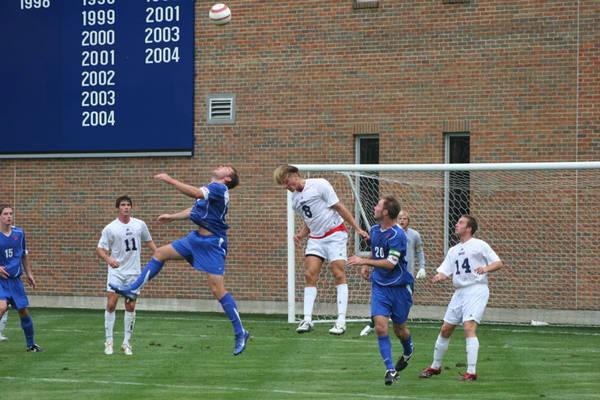 ud-mens-soccer-general-2006-09-04_012