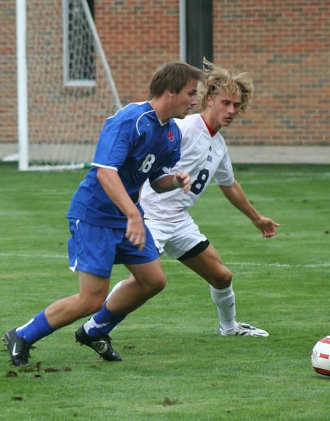 ud-mens-soccer-general-2006-09-04_016