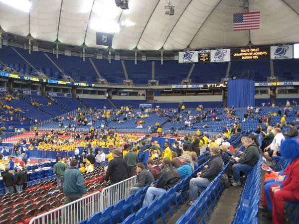 ncaa-minneapolis-2009-03-23_032