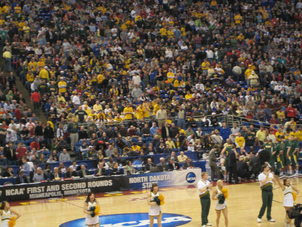ncaa-minneapolis-2009-03-23_051