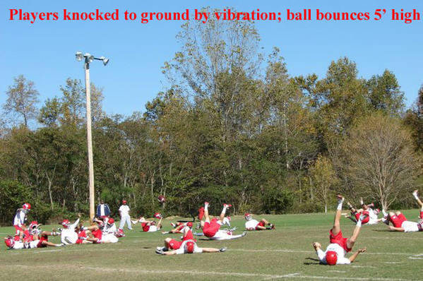 10redu_Players_are_knocked_to_ground_as_ball_bounces_copy